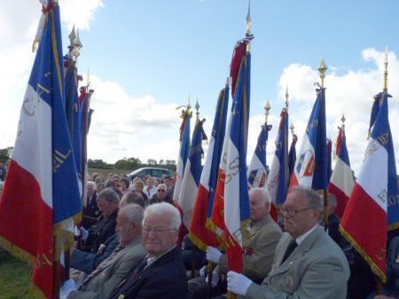 Messe de 10h - porte-drapeaux